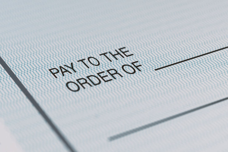 Deciding Between Outsourcing and In-House Payroll?